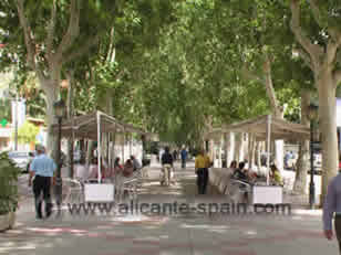 Many street bars and restaurants around Murcia